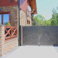 A full wrought iron gate -  Perfect privacy